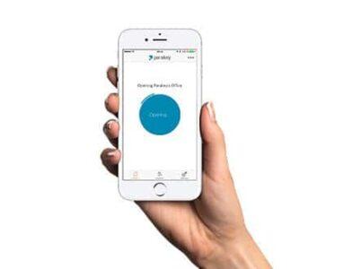 Digitala lås låser upp med app i mobilen.