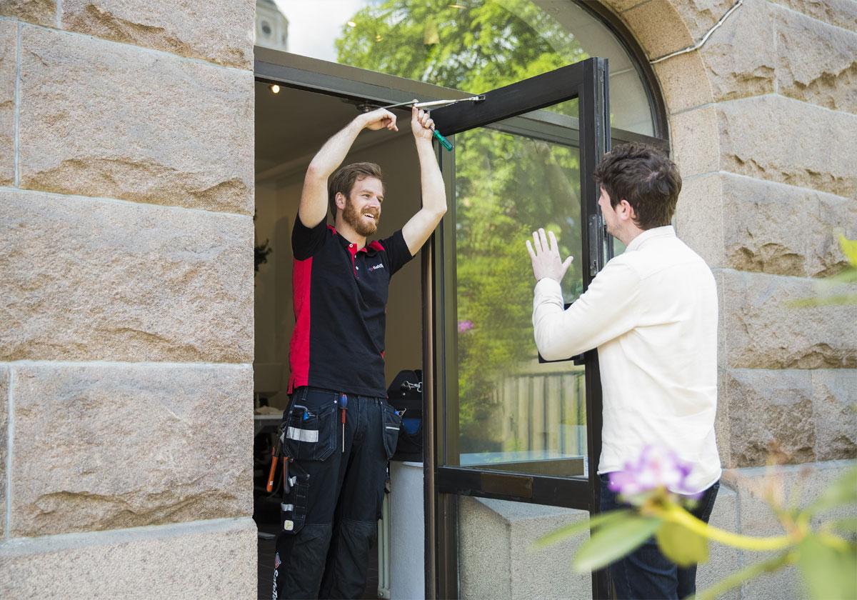 Uppställning av dörrstängare   SafeTeam