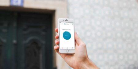 Digitala dörrlås som du låser upp med en app i mobilen.