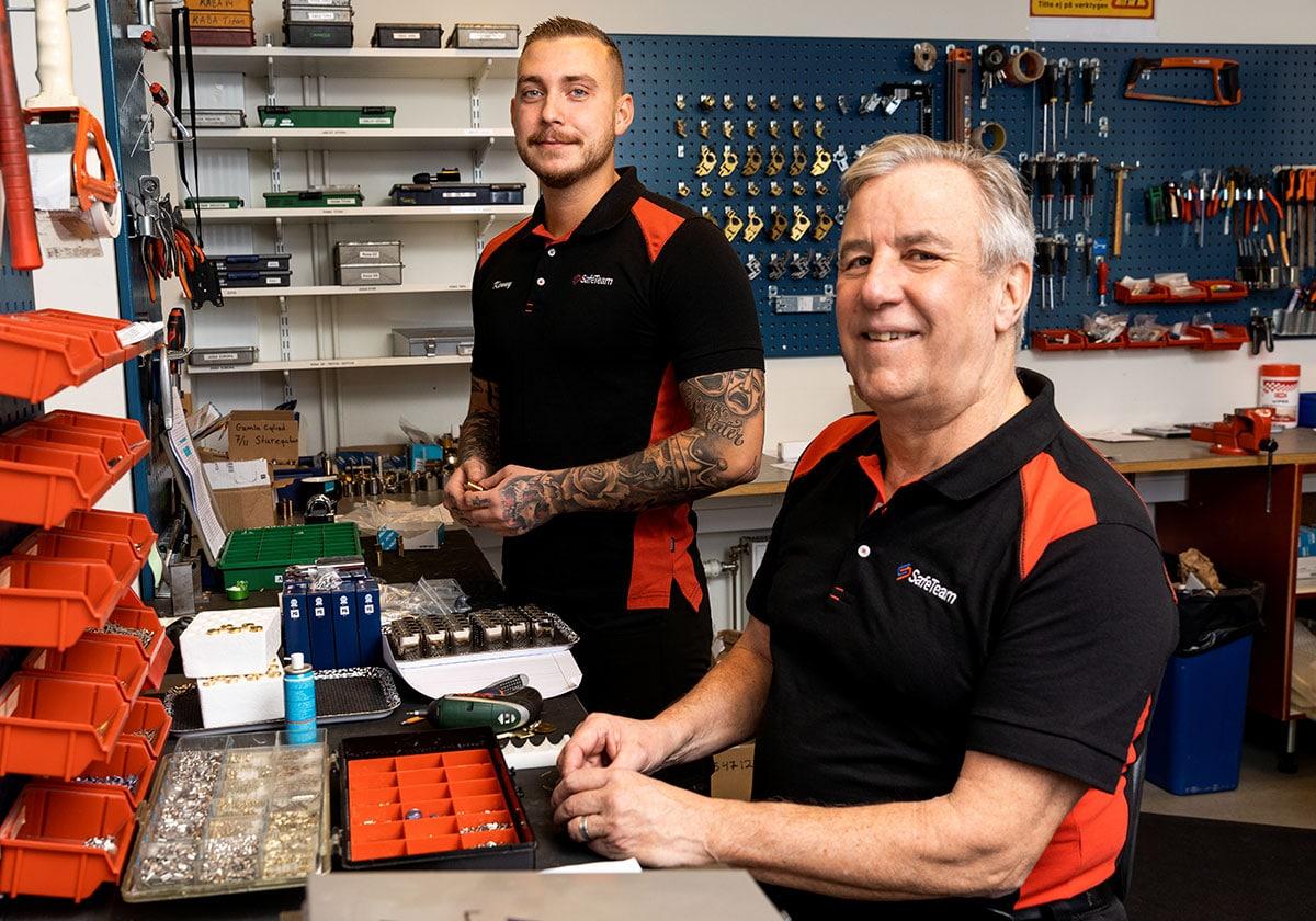 Låssmed i Stockholm byter lås och tillverkar nya nycklar